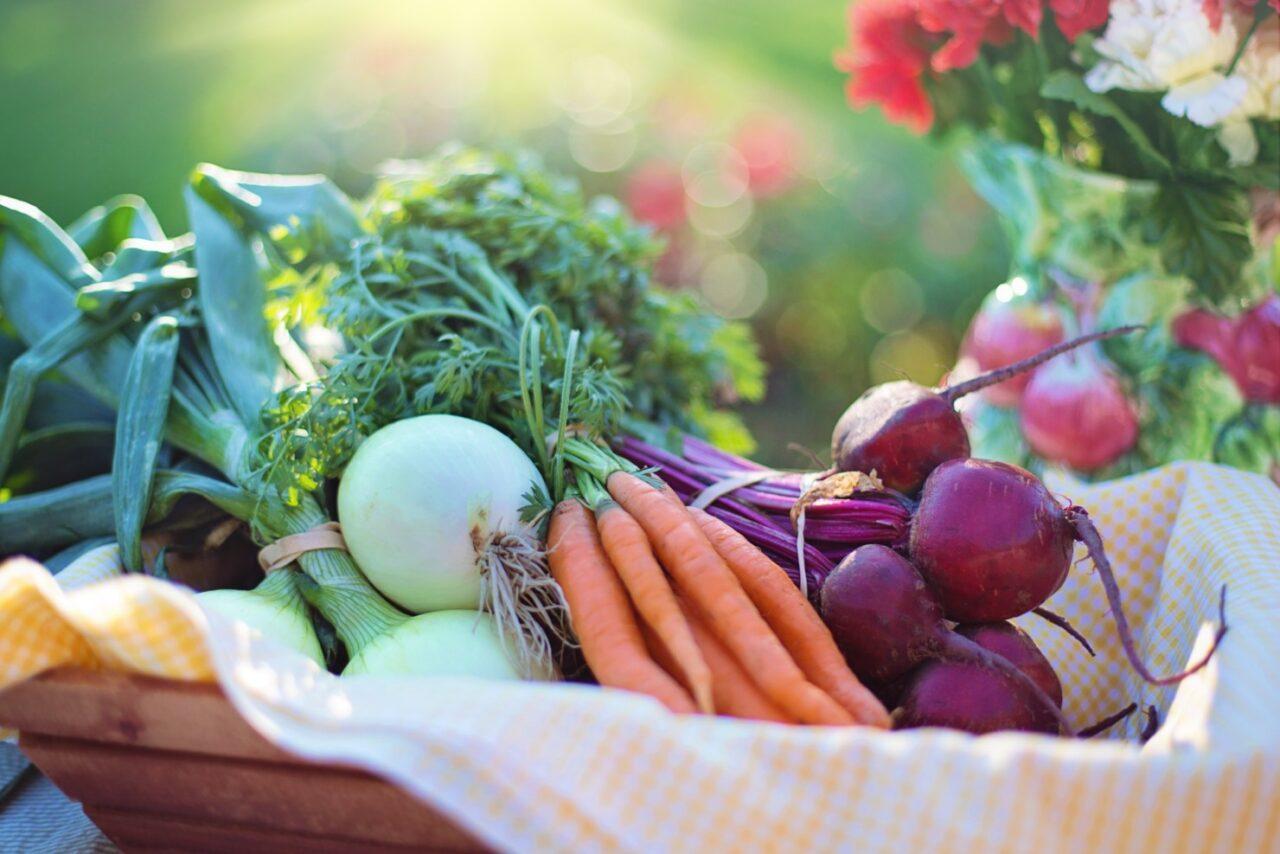 Wyglądamy takjak się odżywiamy – wpływ diety naskórę