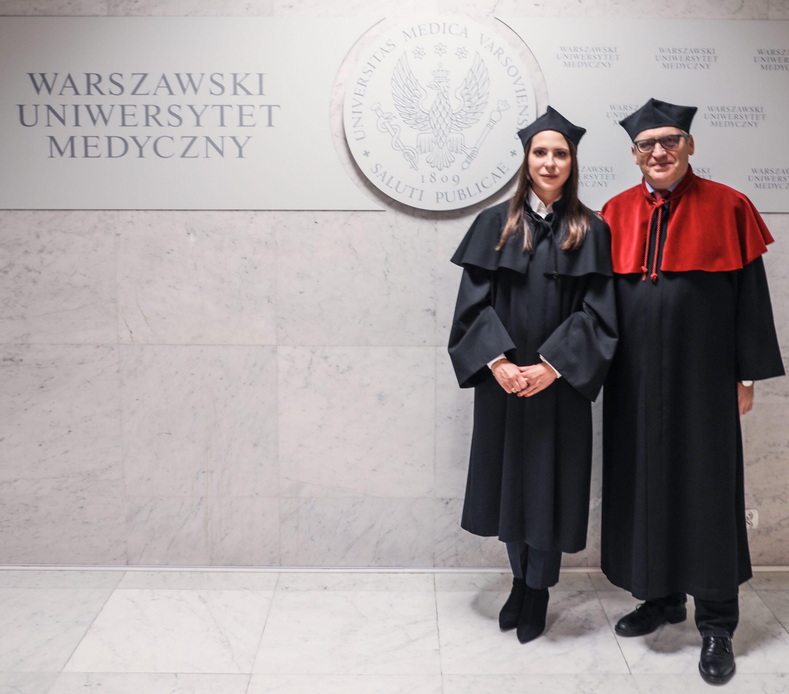 Dr Katarzyna Osipowicz zprof.Cezarym Kowalewskim promotorem doktoratu